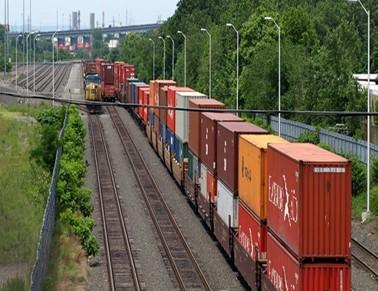 کامیون یا قطار: کدامیک نرخ فروش بالاتری دارد؟
