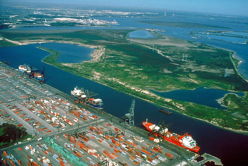 به بنادری که در کناره دریاچه های شهر احداث می شوند، بنادر درون سرزمینی نام دارند.