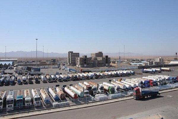 پایانه مرزی دوغارون در ایران به عنوان محلی برای عبور کالاهای ترانزیتی استفاده می شود.
