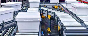به کار بردن فناوری ها و تجهیرات مدرن از مزایای مدیریت انبار کارآمد محسوب میشود.