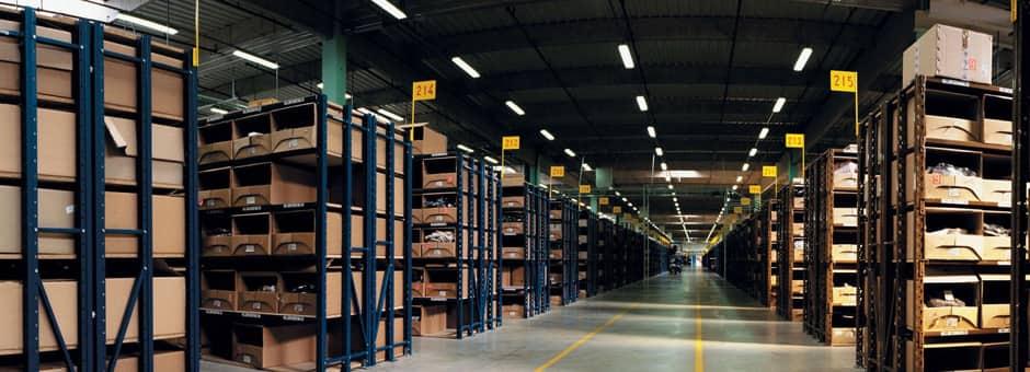 در انبارداری برای سهولت انتخاب کالا، ذخیره سازی مناسب صورت می گیرد.