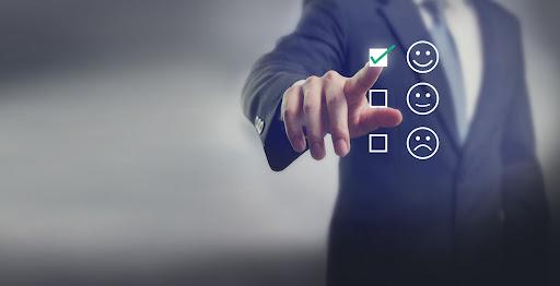 به دلیل افزایش سرعت ارسال محصولات با کمک نرم افزار انبارداری آنلاین،رضایت مشتری افزایش میابد.